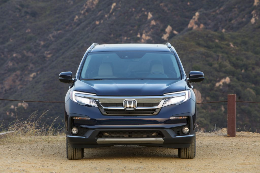 2020 Honda Pilot Elite front view