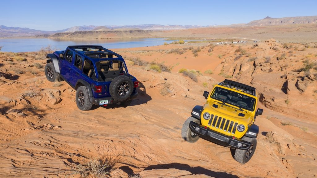 2020 Jeep® Wrangler Rubicon EcoDiesel off-roading in the desert