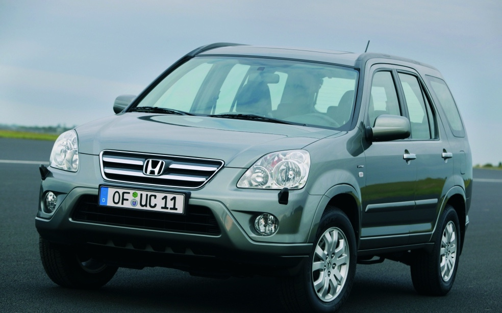 front view press photo of a Honda CR-V form the 2005 model year