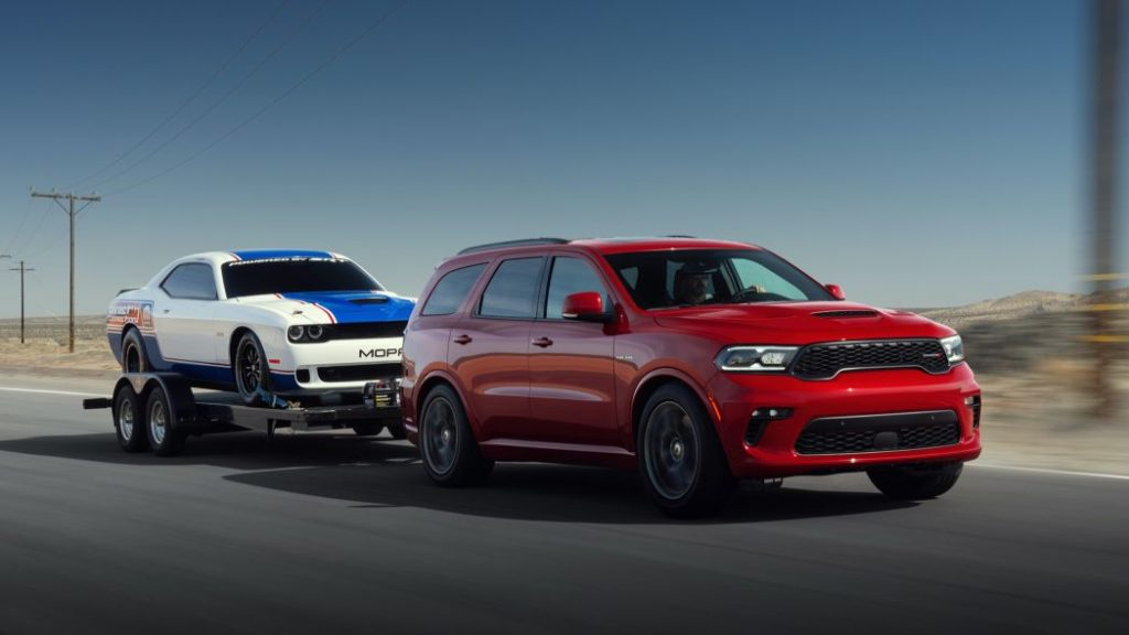 2021 Dodge Durango towing car
