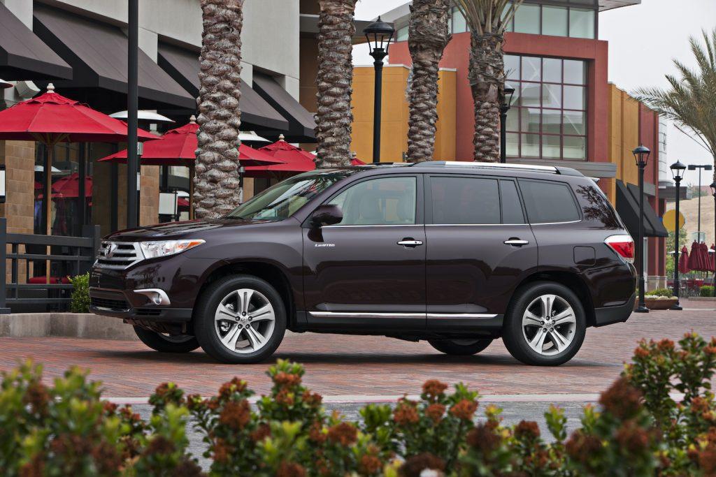 2012 Toyota Highlander parked outside