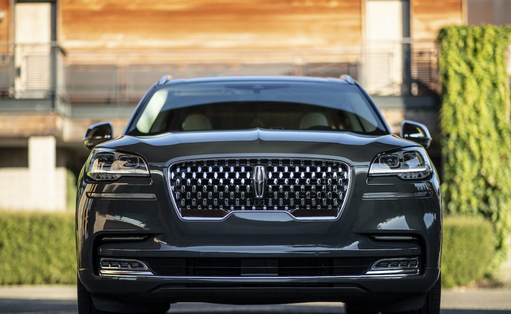 2020 Aviator Grand Touring grille shot
