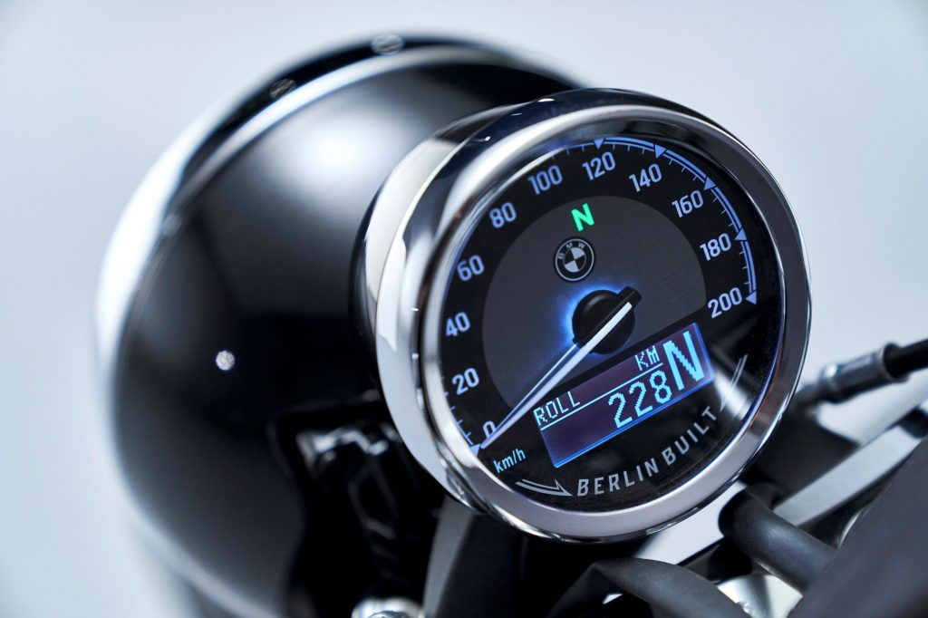 The speedometer and LCD screen in the 2021 BMW R18 First Edition's gauge