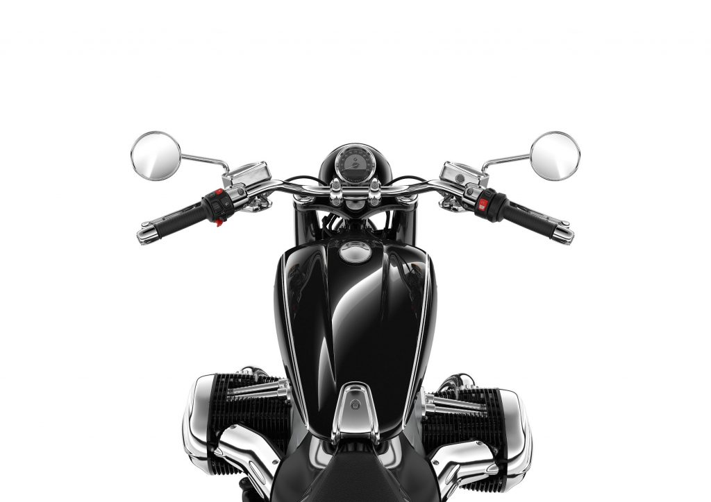 The view of the black 2021 BMW R18 from the saddle