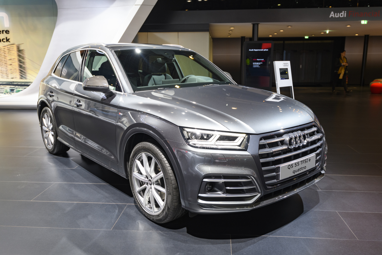 The 2021 Audi Q5 Plug-in Hybrid Is Surprisingly More ...