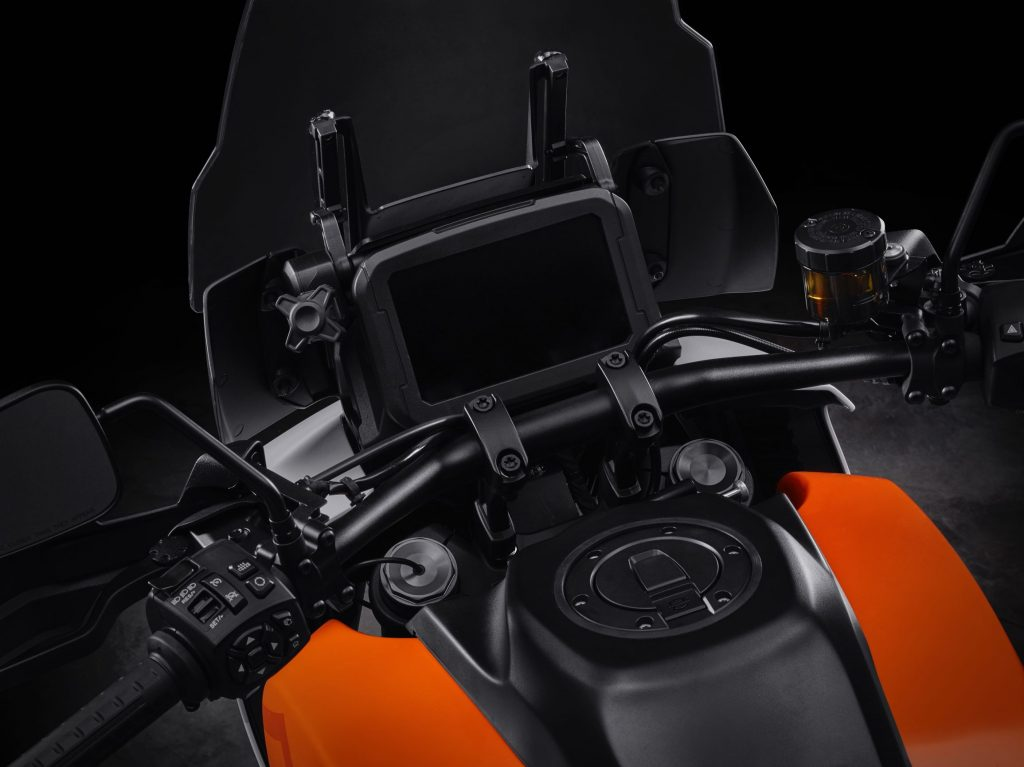 The TFT dash and handlebars of the Harley-Davidson Pan America concept