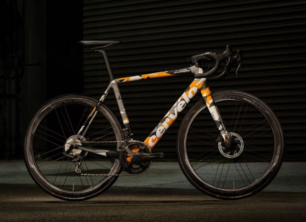 Profile view of the Cervelo R5 Lamborghini Edition bicycle