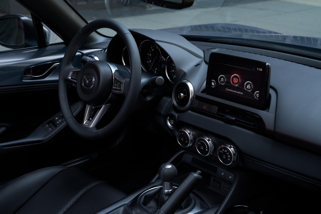 2020 Mazda MX-5 infotainment screen