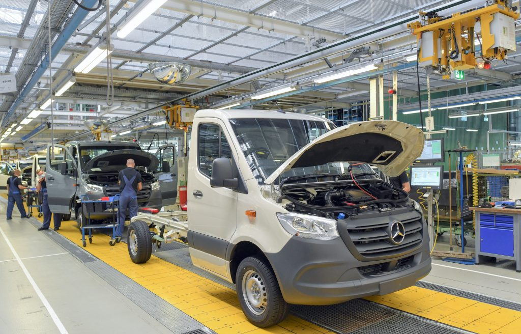 Commercial vehicles of the Sprinter type are built at the Mercedes-Benz AG Ludwigsfelde plant