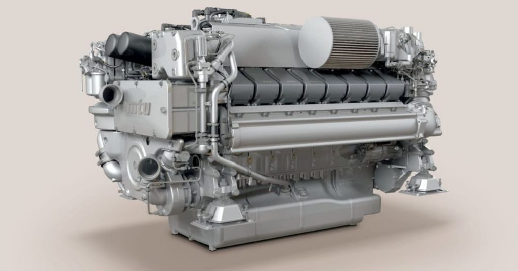 A beauty picture of the Rolls-Royce Series 2000 M96 marine engine