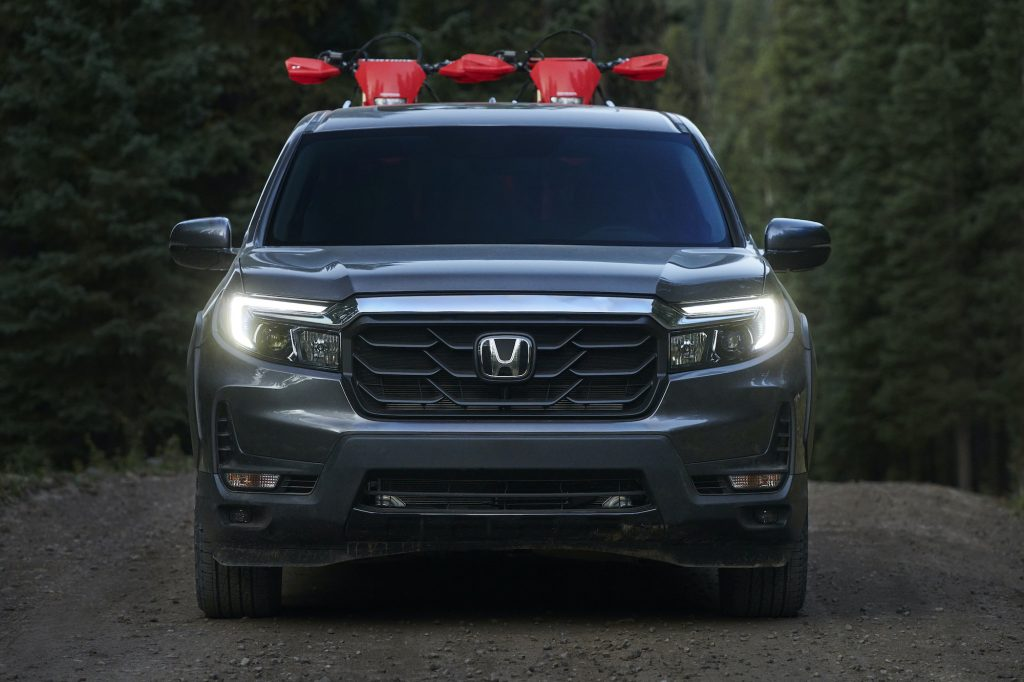 The 2021 Honda Ridgeline front view