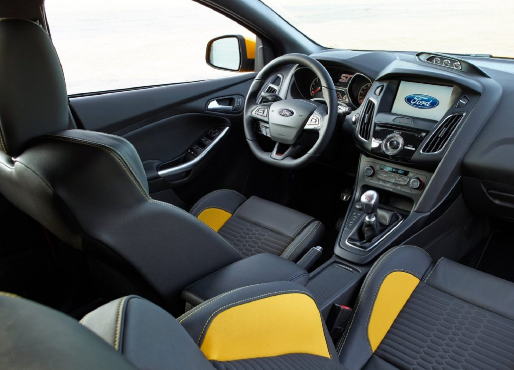 The Recaro front seats and dashboard of a 2015 Ford Focus ST