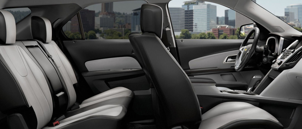 A side view of the 2017 Equinox's cabin.