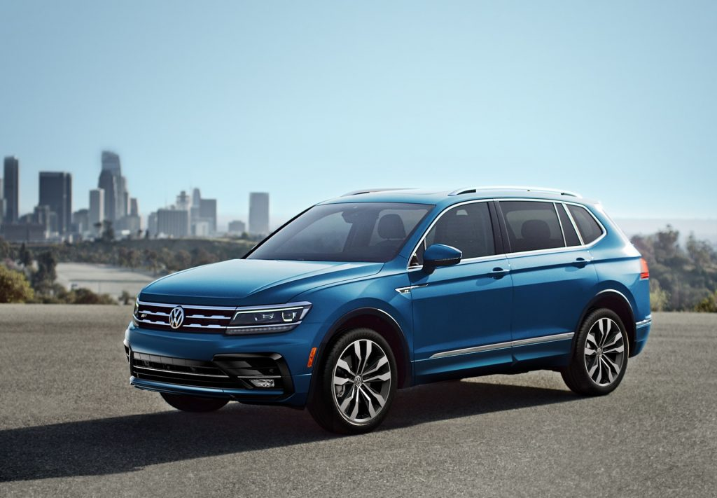 A photo of the 2020 Volkswagen Tiguan SUV outdoors.