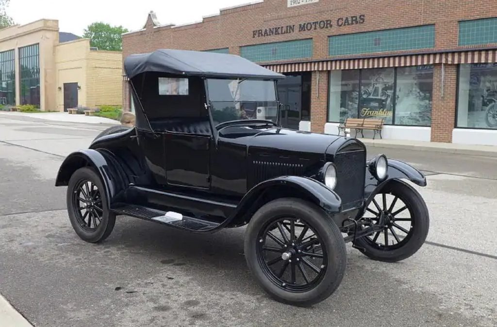 A black Ford Model T