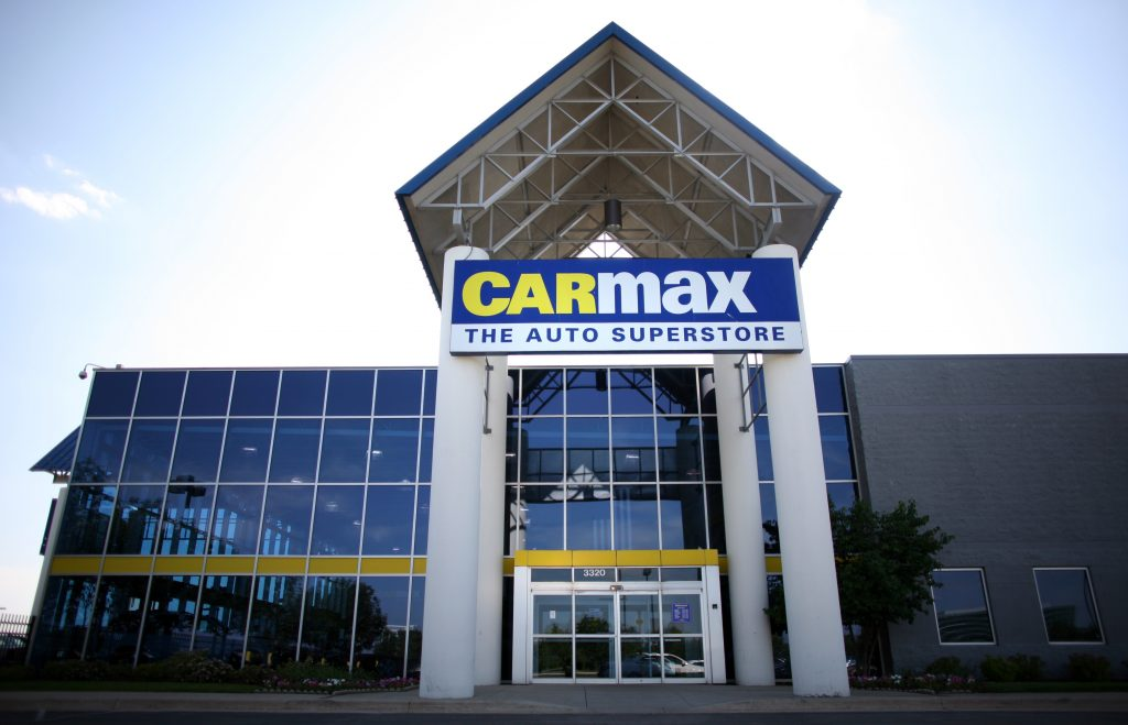 The front of a CarMax dealership