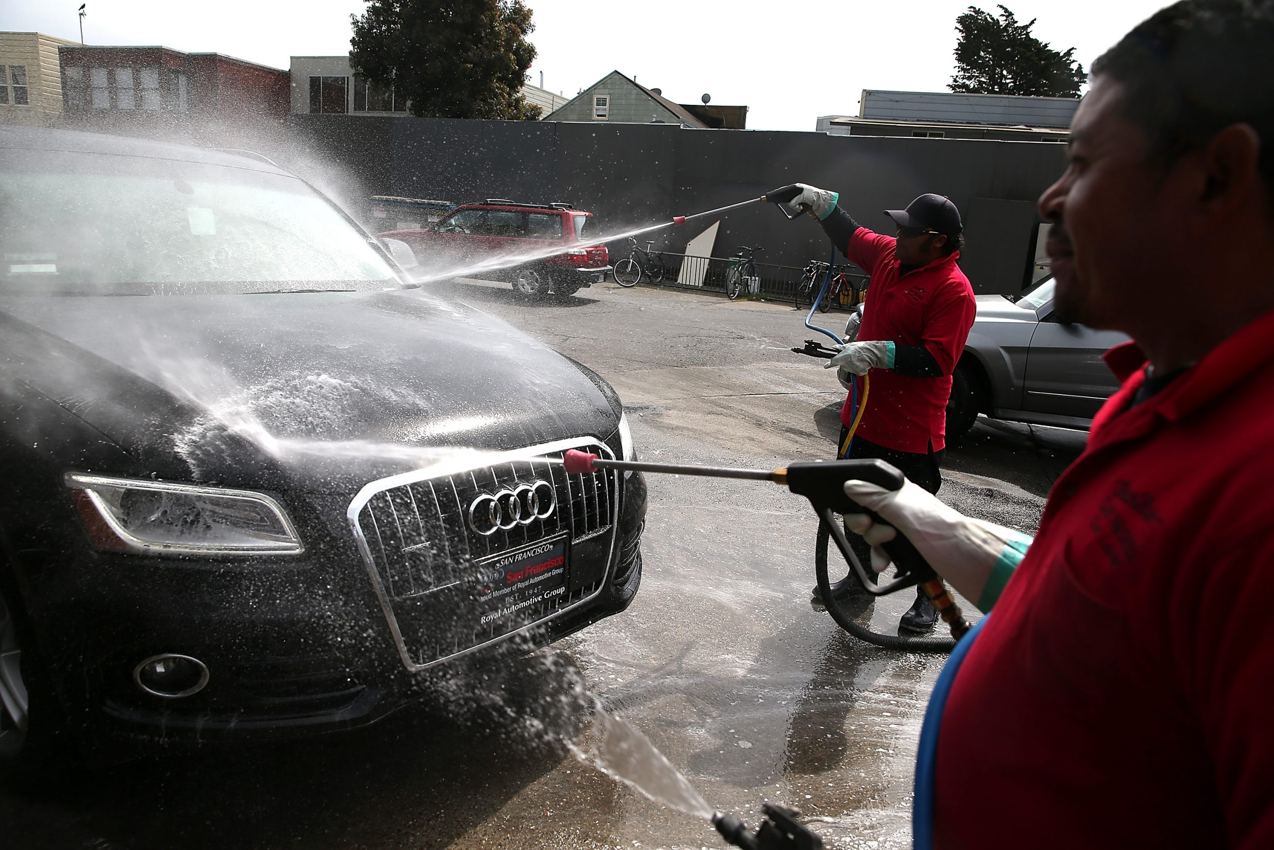 Why You Should Say No to the Dealership Car Wash After