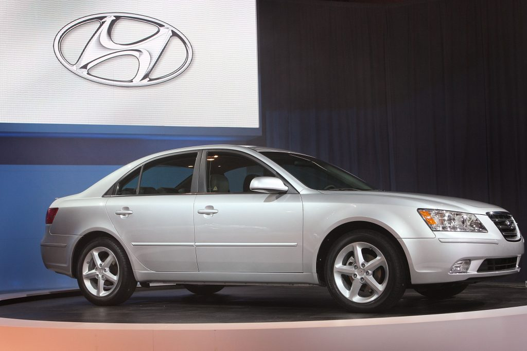 A 2009 Hyundai Sonata on display at an auto show