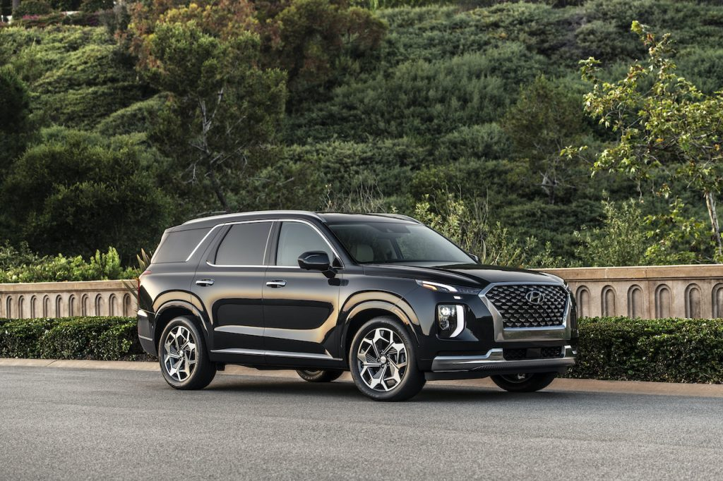 An image of a 2021 Hyundai Palisade on the road.