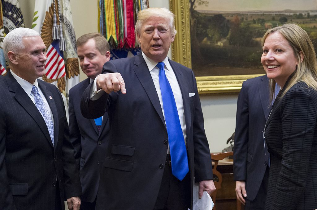 Trump pointing finger down