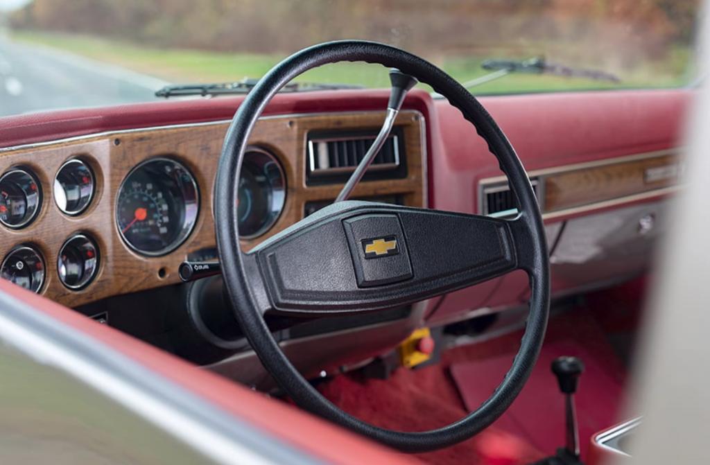 1977 Chevy Blazer EV Concept Interior