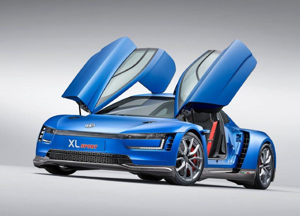 The blue 2014 Volkswagen XL Sport with its doors up