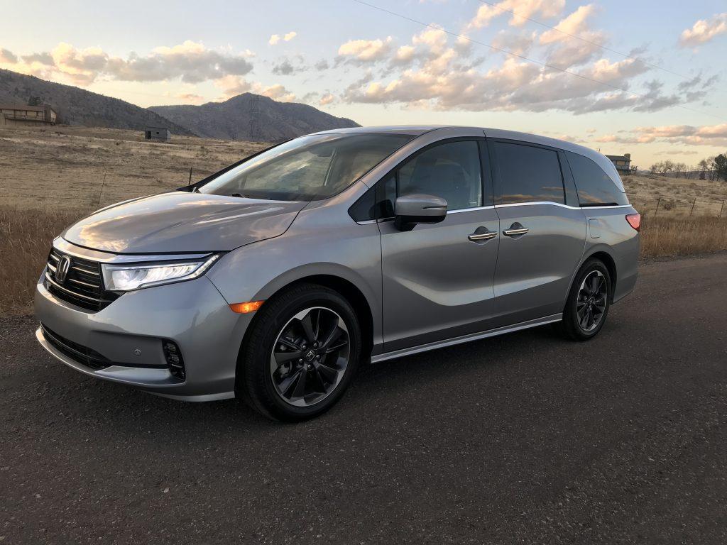 2021 Honda Odyssey front shot