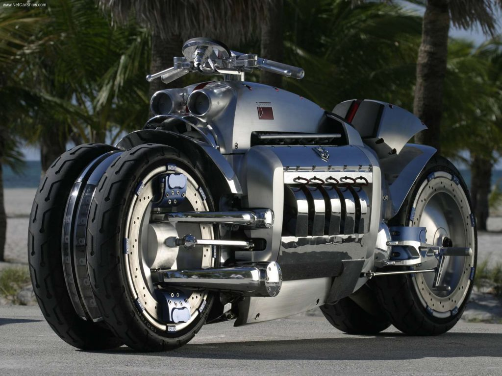A Viper V10 powers this Dodge Tomahawk motorcycle.