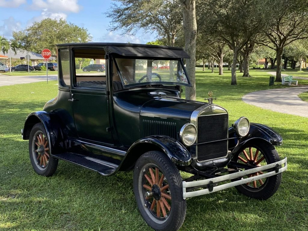 A black 1926 Ford Model T Coupe
