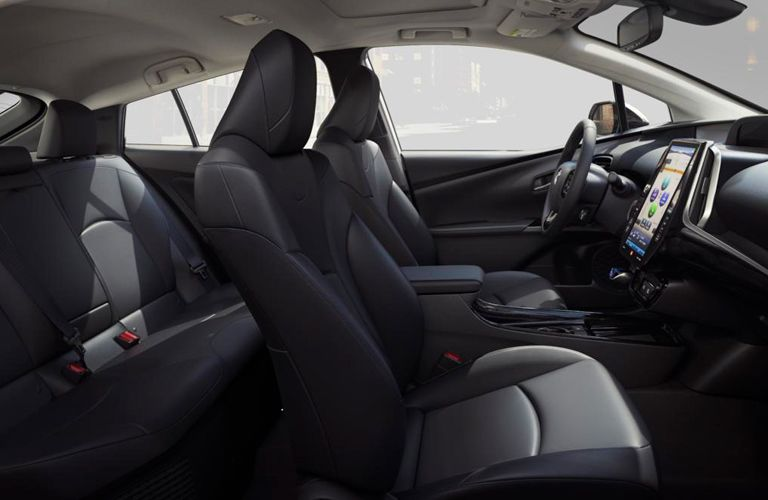 Sideview of the inside of the 2019 Prius with black upholstery.