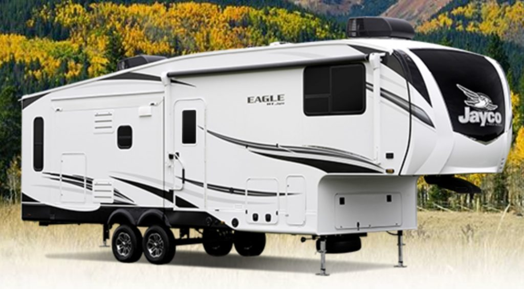 The 2021 Jayco eagle Fifth-Wheel RV detached from a tow rig.