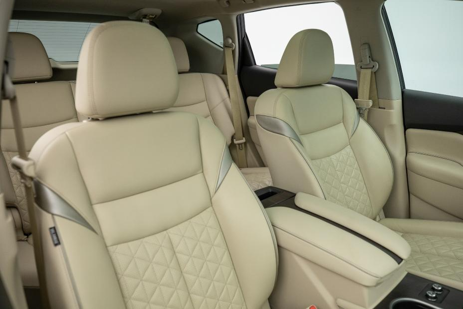 nissan murano interior with  plush tan leather