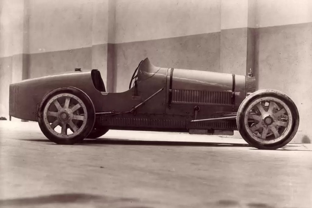 The side view of an original Bugatti Type 35