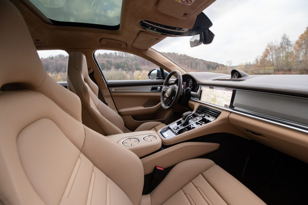 Tan interior of the 2021 Panamera Turbo S E-Hybrid Sport Turismo in Night Blue Metallic