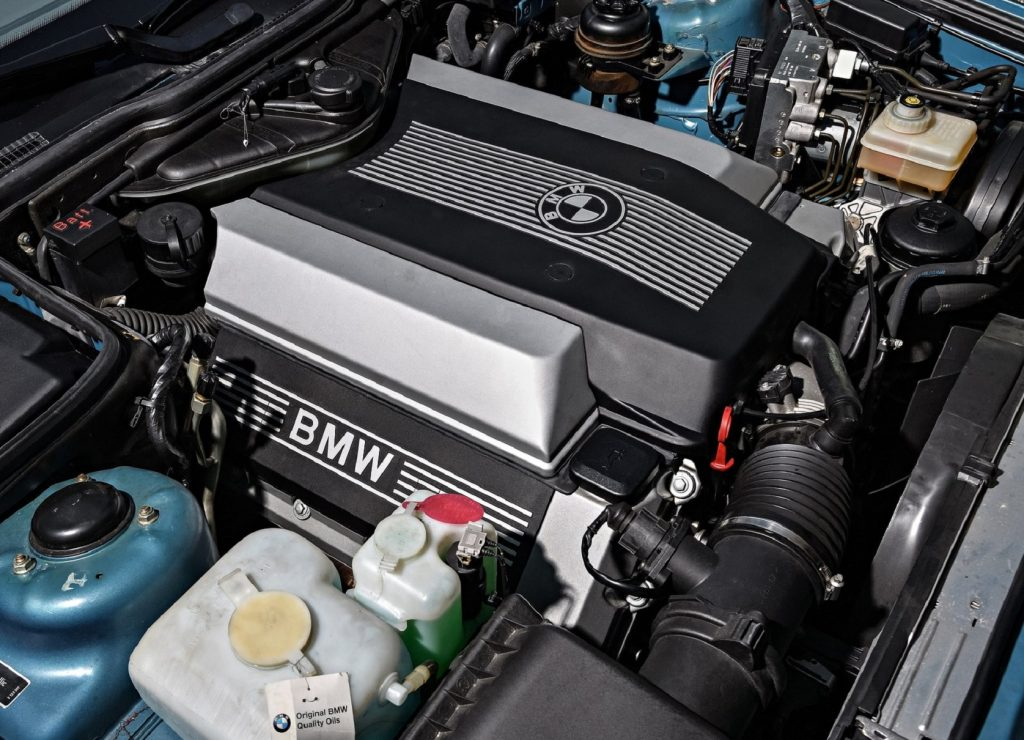 The M60 V8 engine in the bay of a 1992 BMW 5 Series