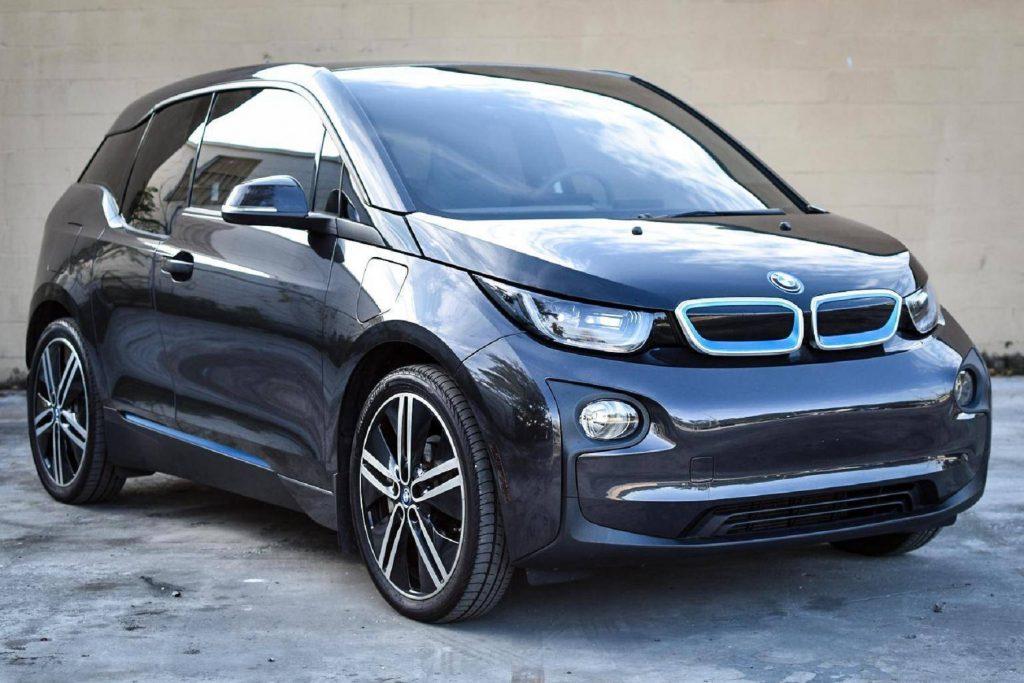 A black 2015 BMW i3 REX