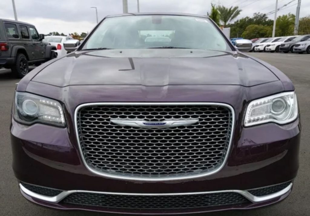 Mismatched headlights on a 2020 Chrysler 300 Touring