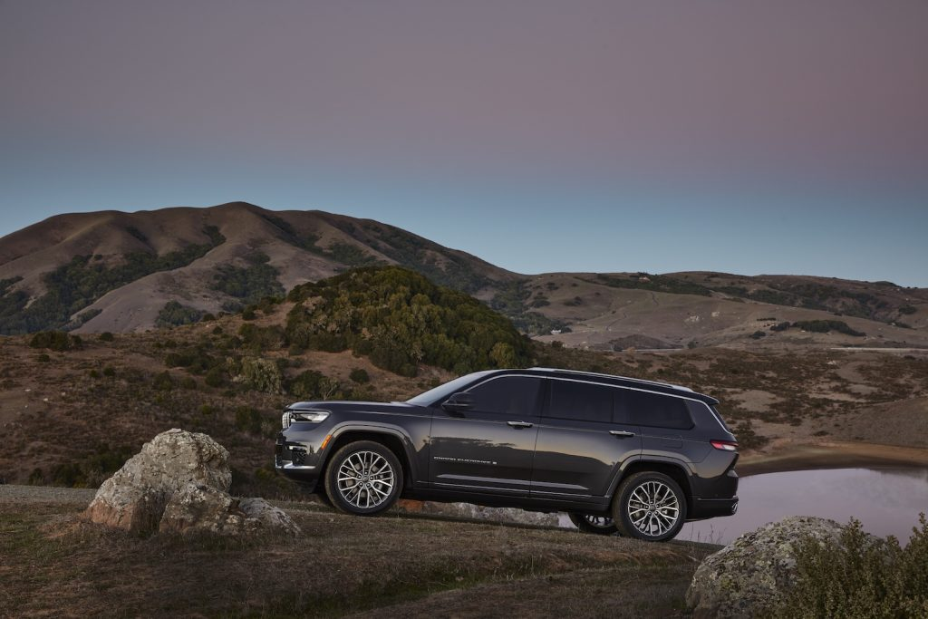 All-new 2021 Jeep® Grand Cherokee L Summit Reserve parked
