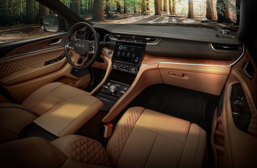 The front seats and dashboard of the 2021 Jeep Grand Cherokee L Summit Reserve