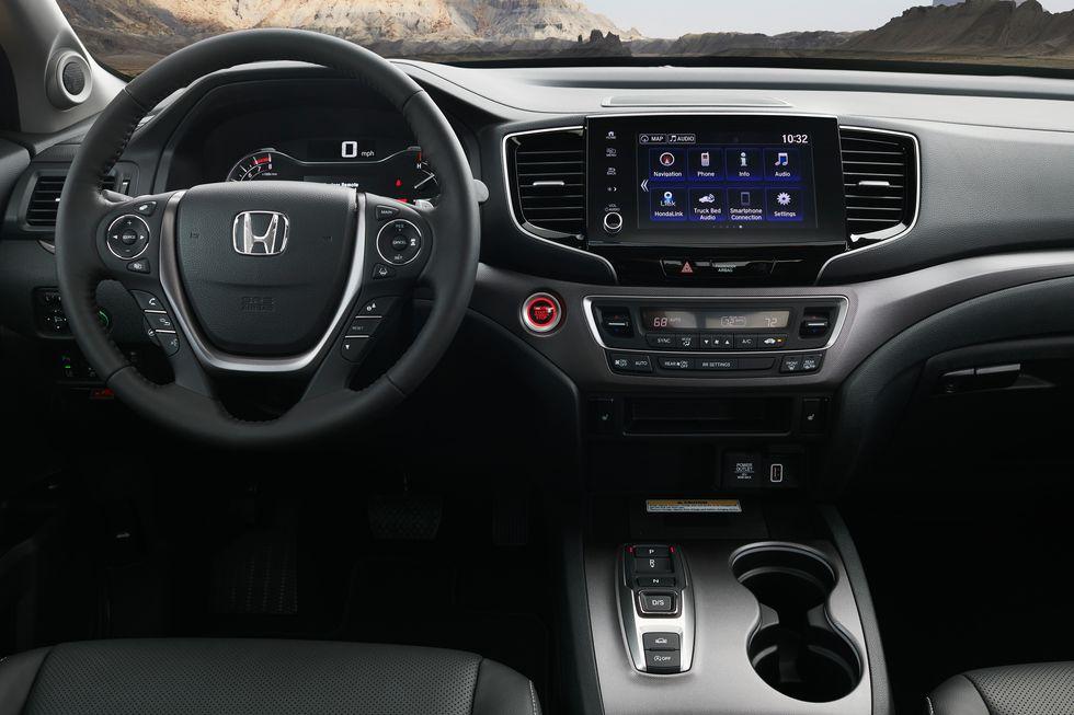 2021 Honda Ridgeline compact pickup truck interior