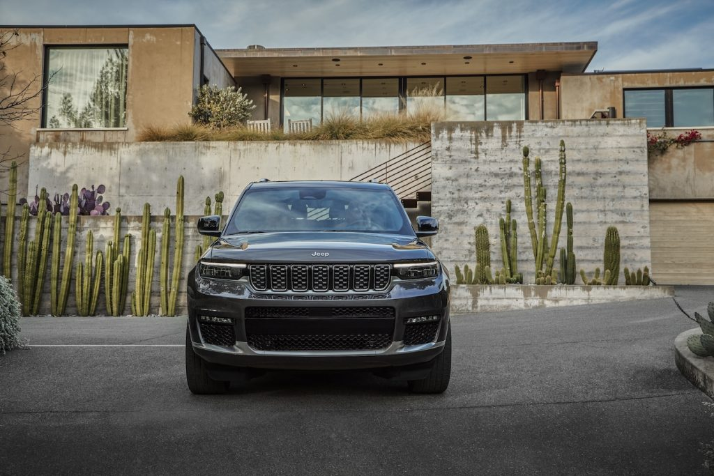 All-new 2021 Jeep® Grand Cherokee L Summit Reserve grille
