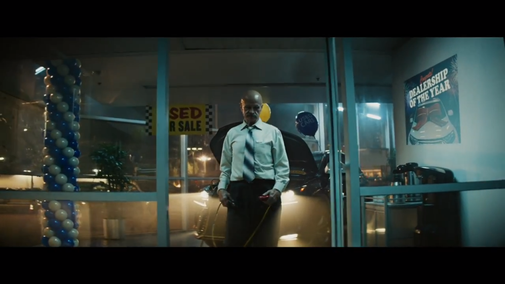 A screenshot from the Vroom ad