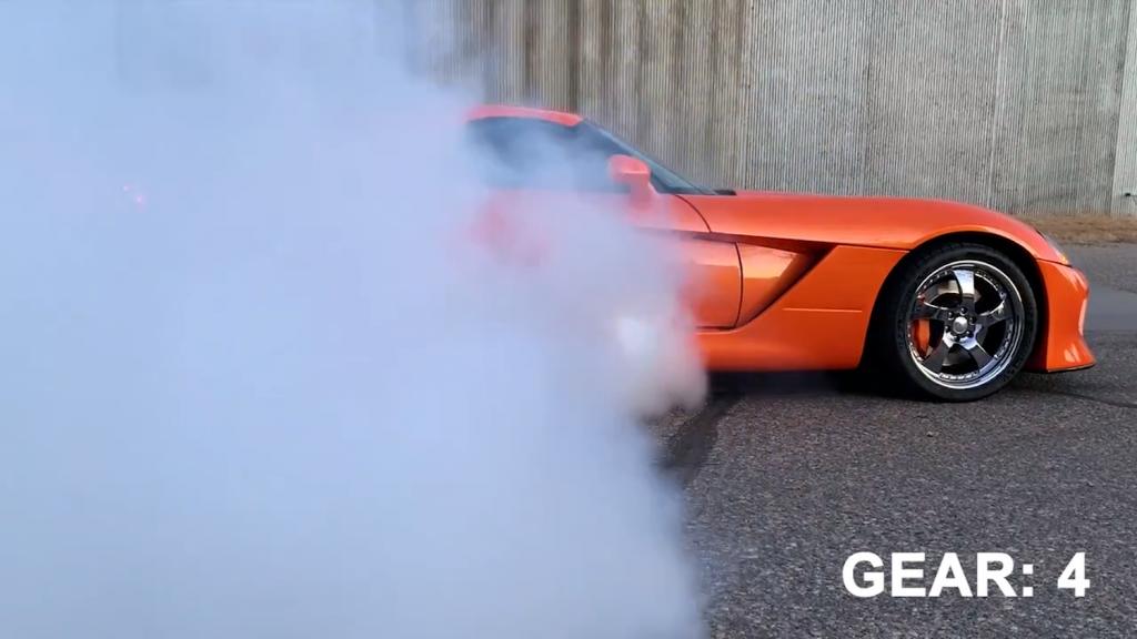 Nth tuned 1300-hp Dodge Viper roasting tires
