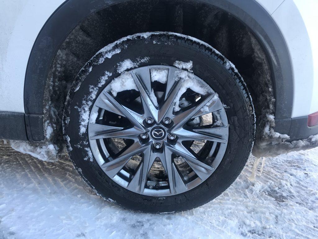 A shot of the Mazda CX-5 Signature's 19-inch wheel