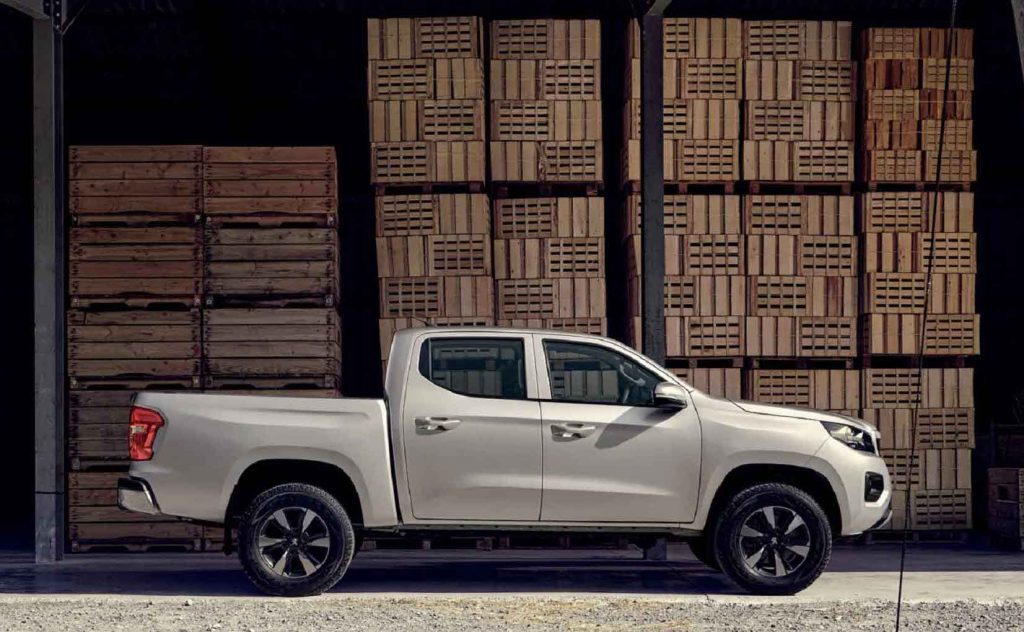 2021 Peugeot Landtrek pickup side view