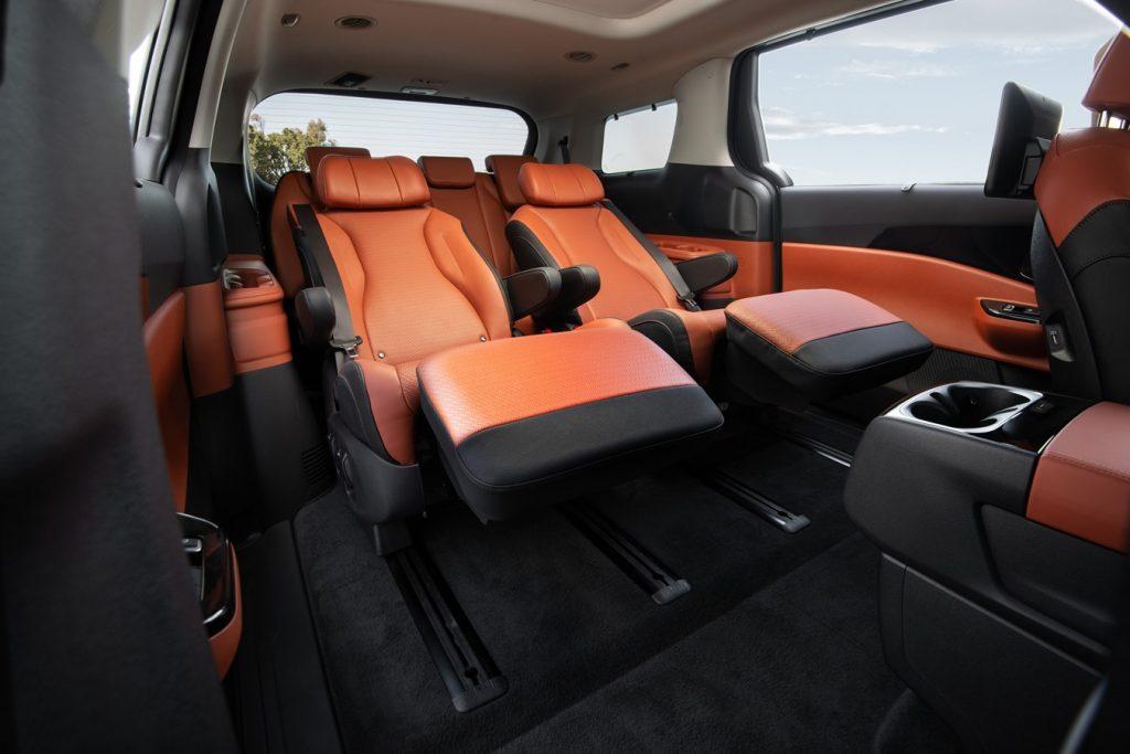 2022 Kia Carnival rear lounge seats