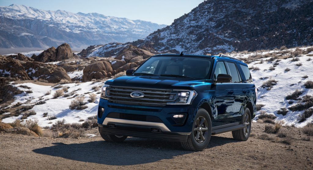 2021 Ford Expedition in the snow