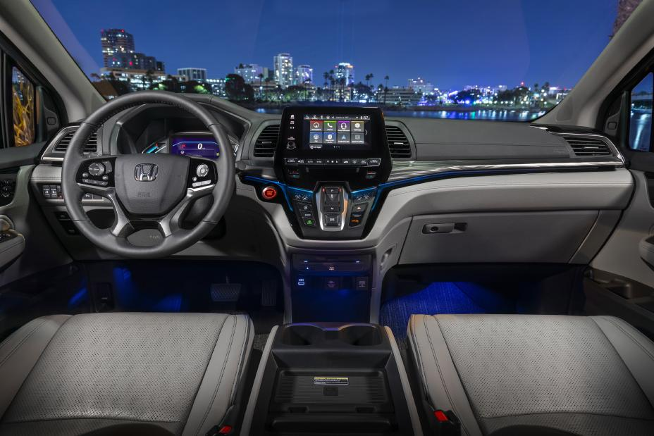 interior view of the 2022 honda odyssey cockpit