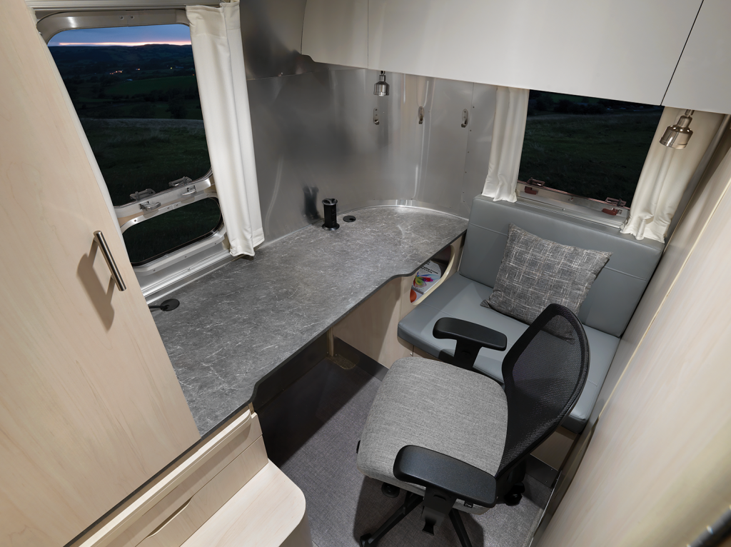 Airstream Flying Cloud 30 FB Office Travel Trailer Office Space