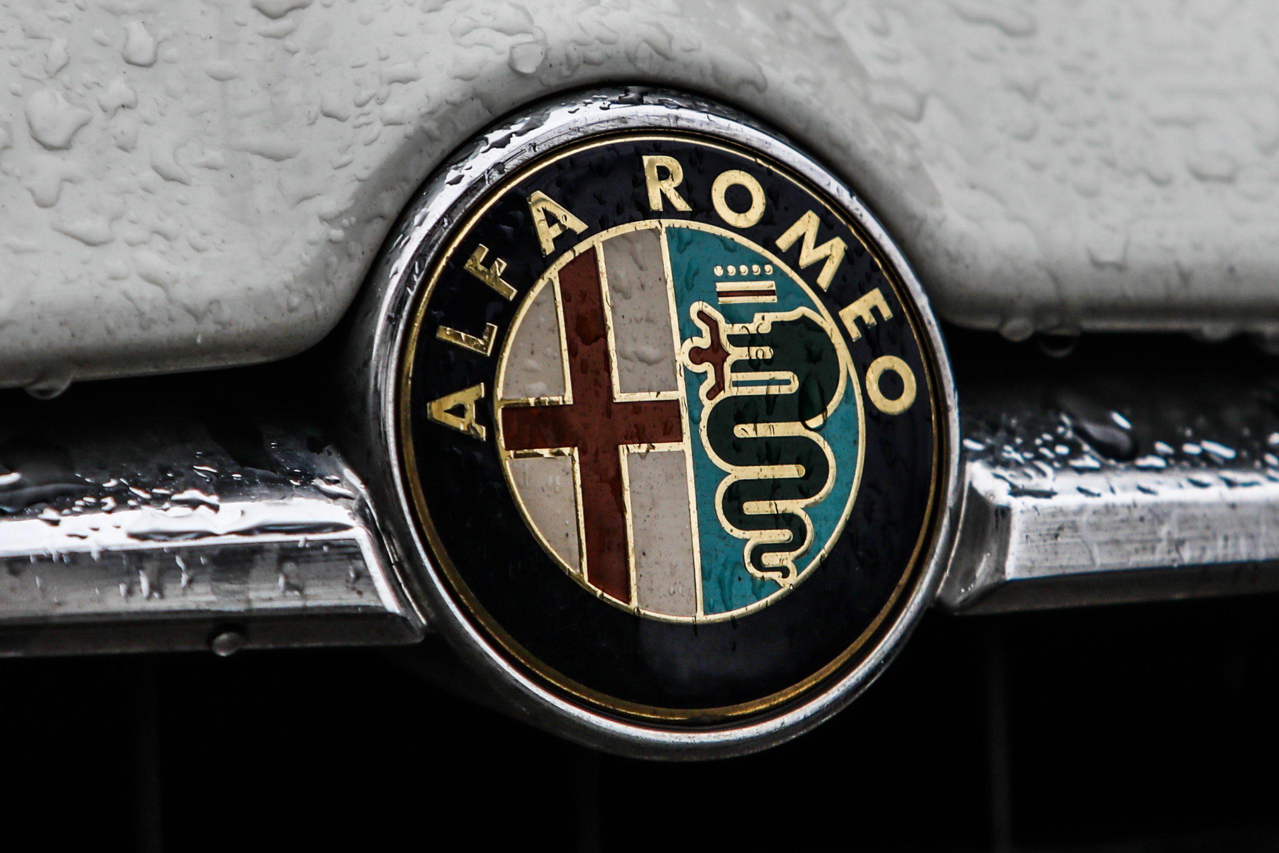 www.motorbiscuit.com